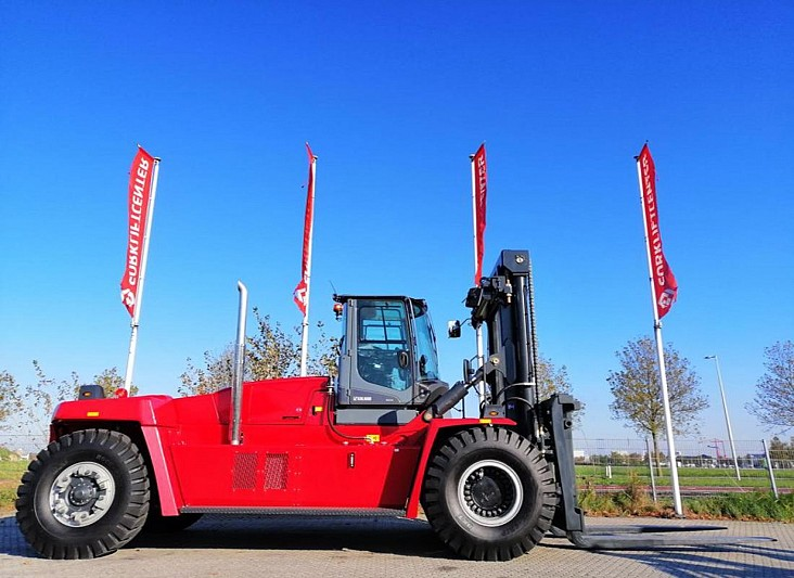 4 Whl Counterbalanced Forklift >10tDCG330-12
